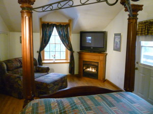king bed, fireplace